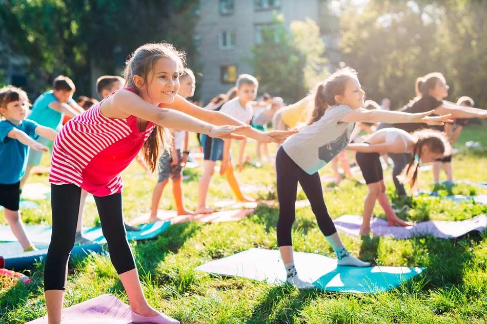 Formation-yoga-enfant-bebe-ados-jeunes-publics-à-distance